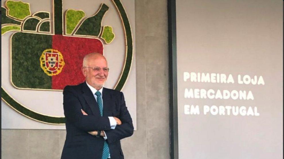 Juan Roig durante la apertura de su primera tienda en Portugal