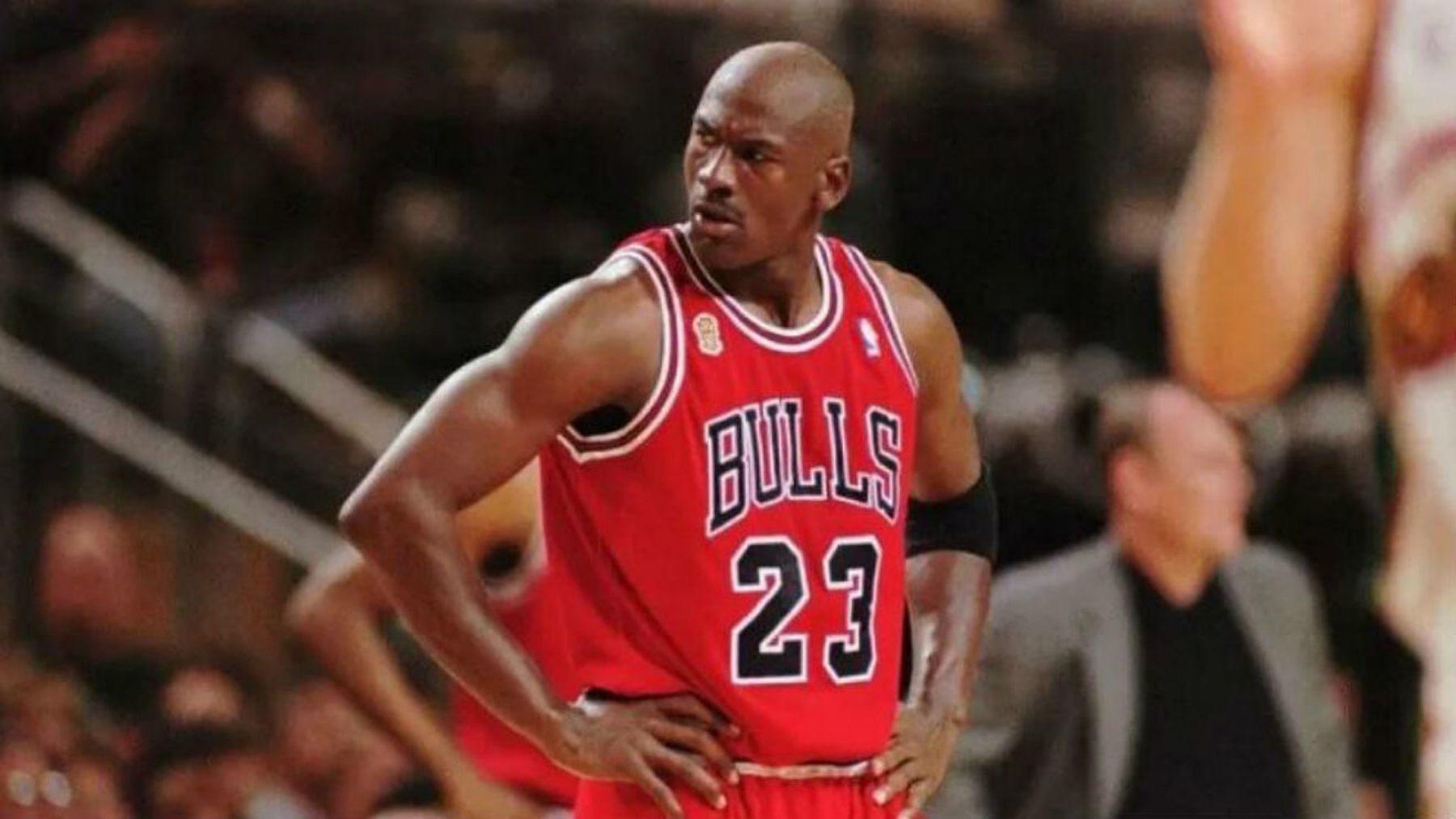 Michael Jordan, es el número 1 de los mejores jugadores de baloncesto de la historia