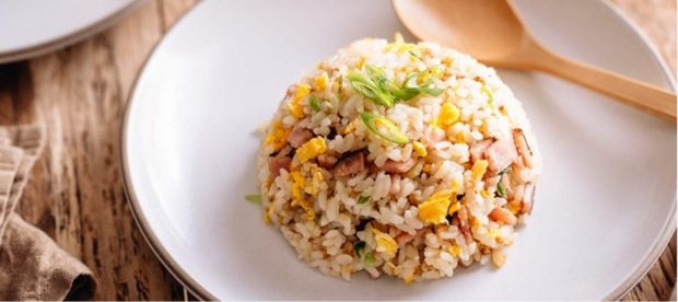 Las 5 mejores recetas de arroz frito para una cena rápida de restaurante