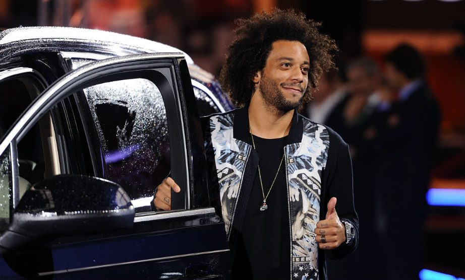 Marcelo, en una entrega de coches con el Real Madrid. (Getty)