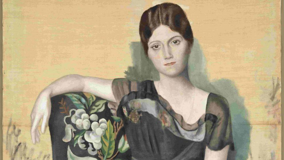 Retrato de Olga en un sillón, primavera de 1918. Musée national Picasso-Paris. © RMN-Grand Palais / Mathieu Rabeau. © Sucesión Pablo Picasso, VEGAP: Madrid, 2019.