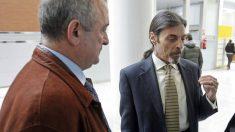 Juan Ignacio Blanco, a la derecha, junto a Fernando García, padre de Míriam