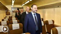 El ministro de Fomento, José Luis Ábalos, esta mañana en la Estación de Francia.