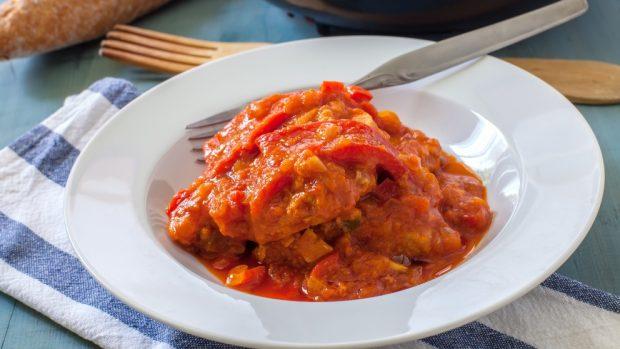 Receta de canelones de bacalao con salsa de sanfaina