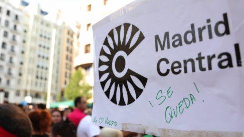 Pancarta a favor de Madrid Central. (Foto. Europa Press)