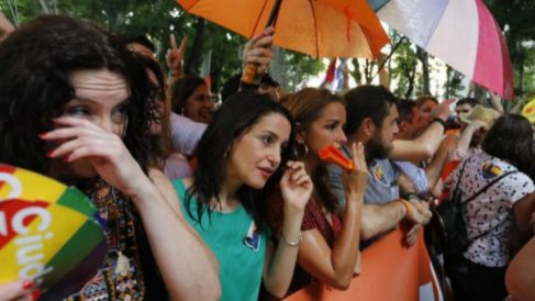La portavoz de Ciudadanos, Inés Arrimadas, en el Orgullo.