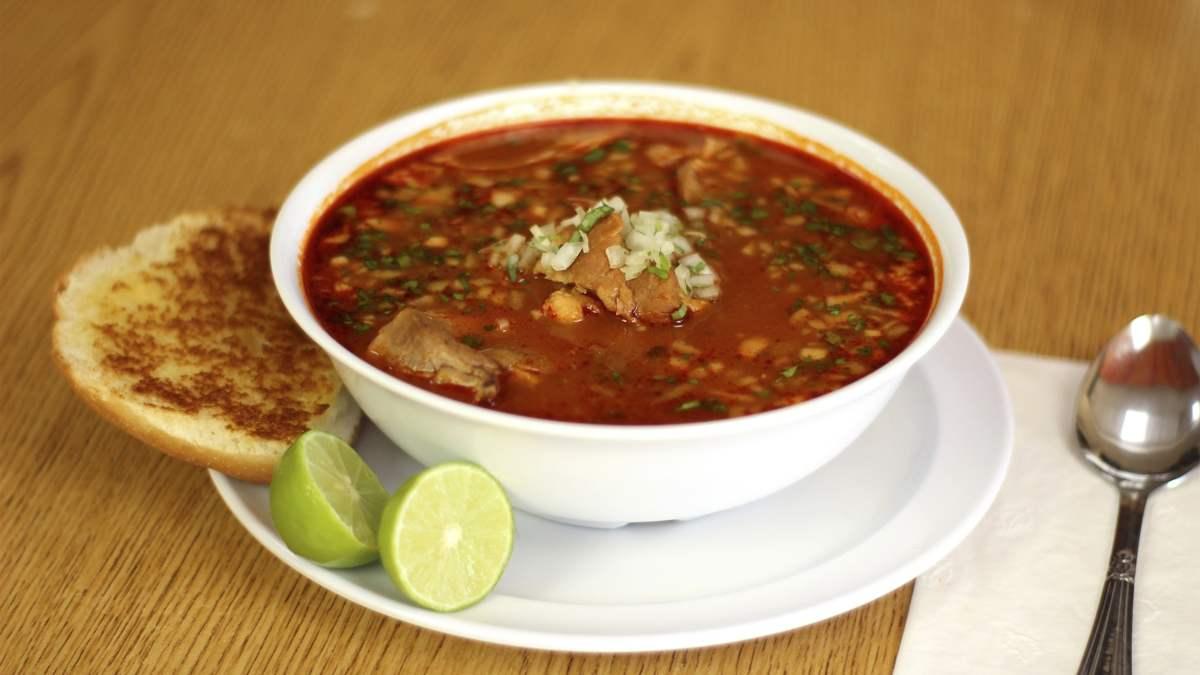 Pozole, receta mexicana