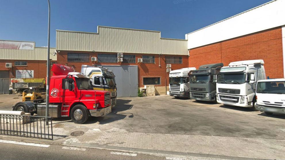 La nave industrial de Fuente el Saz (Madrid) en la que tienen su sede varias de las empresas de la familia Kutayni.