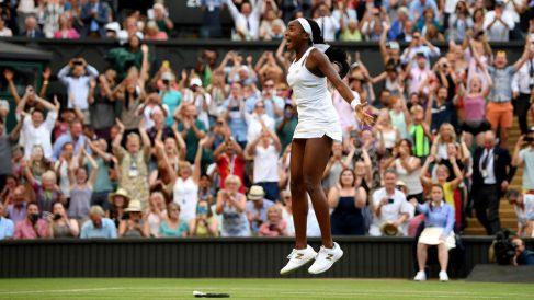 Cori-Gauff-celebra-su-pase-a-octavos-de-final-de-Wimbledon-tras-levantar-dos-bolas-de-partido-(Getty)