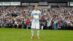 Denis Suárez en su presentación con el Celta (Real Club Celta de Vigo)