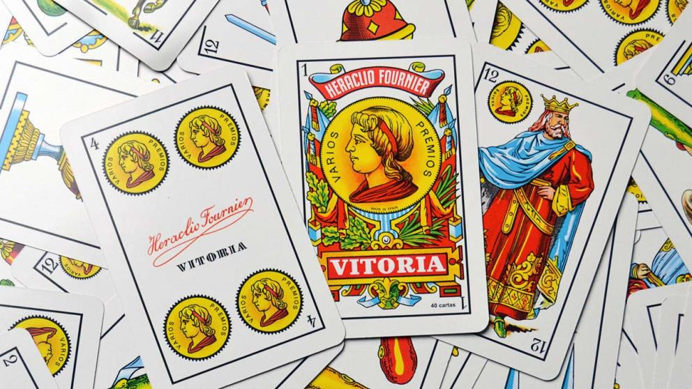 La baraja española es la más utiliza para jugar a las cartas