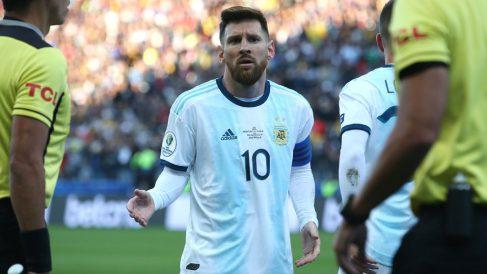 Leo-Messi,-al-ser-expulsado-en-el-partido-ante-Chile-por-el-tercer-puesto-de-la-Copa-América-2019-(Getty)