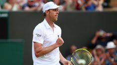 Resultados Wimbledon: Sam Querrey celebra un punto. (Getty)