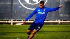 Jeison Murillo durante un entrenamiento con el Valencia (@JeisonMurillo19)