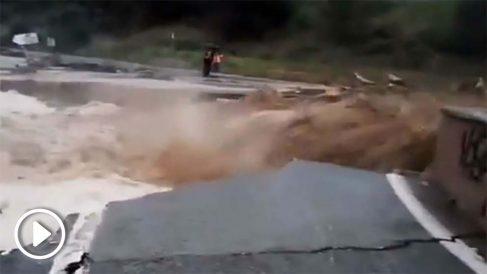 La crecida del río Cidacos ha provocado importantes daños materiales.