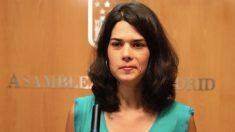 La portavoz Isabel Serra (Podemos) en la Asamblea de Madrid. (Foto. EP)