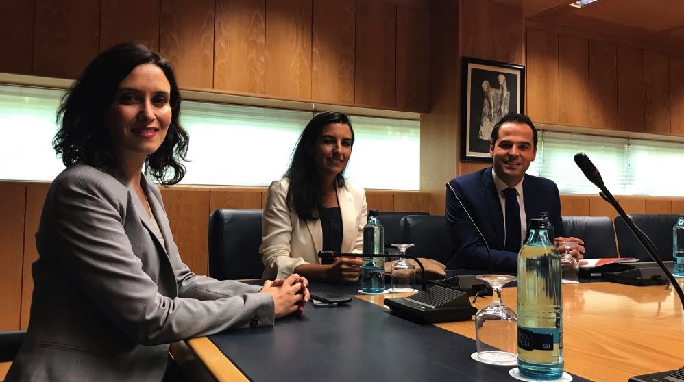 Vox, C's y PP se reúnen por primera vez en la Asamblea de Madrid