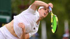 Sam Querrey, en un partido de Wimbledon. (Getty)