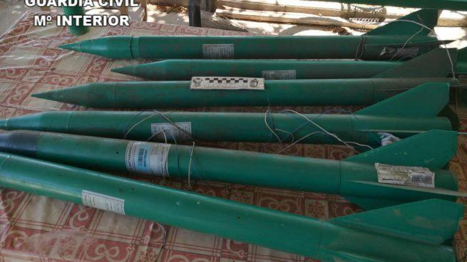La Guardia Civil destruye cohetes antigranizo prohibidos descubiertos en Ciudad Real