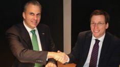 Javier Ortega Smith Molina y José Luis Martínez-Almeida. (Foto. EP)