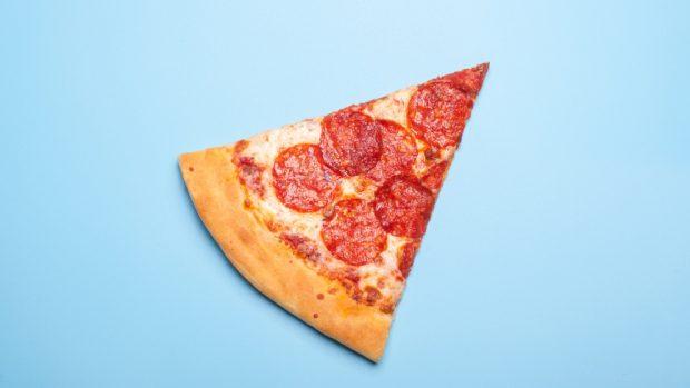 Pizza sabadeña con embutidos