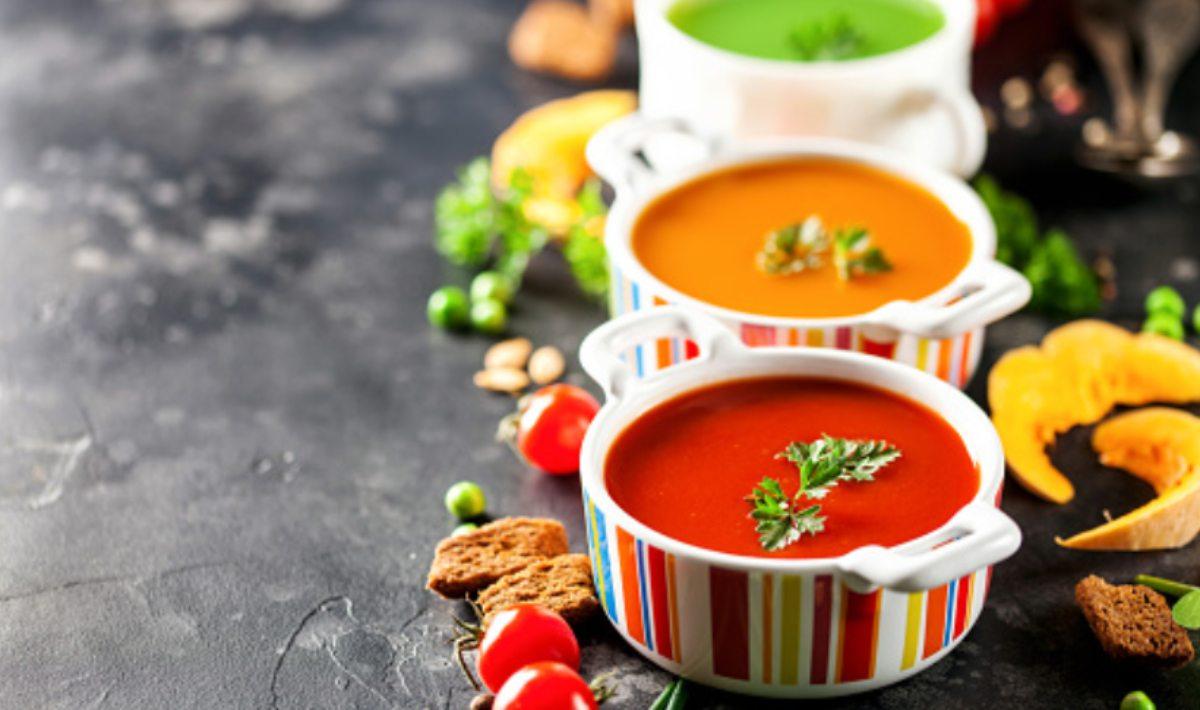 sopa de tomate y espinacas
