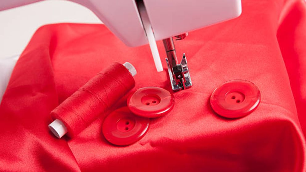 Aprende cómo coser botones con la maquina de coser