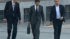 Ricardo Gómez Barredo (ex responsable de contabilidad y de relación con los superiores de BBVA), su abogado y Ángel Cano, ex consejero delegado del BBVA