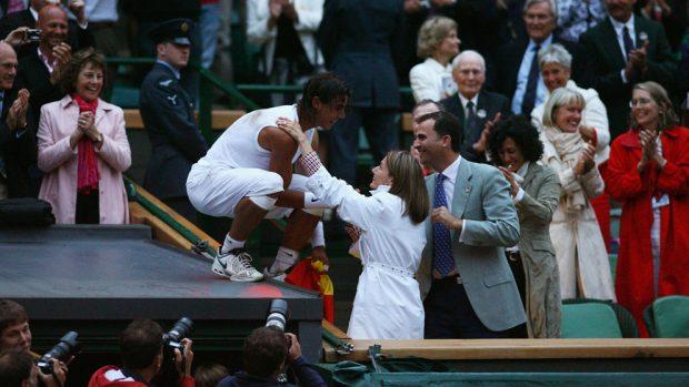 El mejor partido de la historia: así fue la épica victoria de Nadal contra Federer en la final de 2008