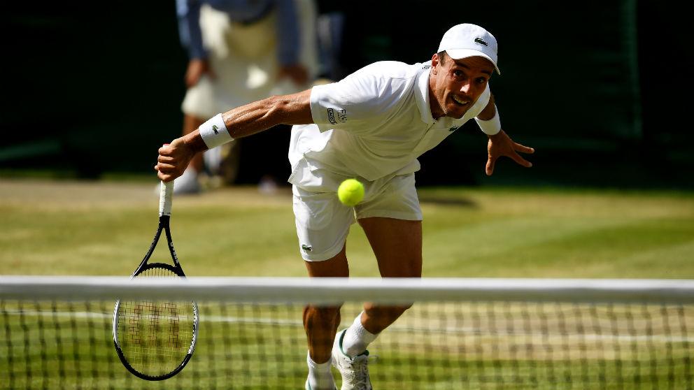 Roberto Bautista durante el partido ante Djokovic en Wimbledon. (Getty)