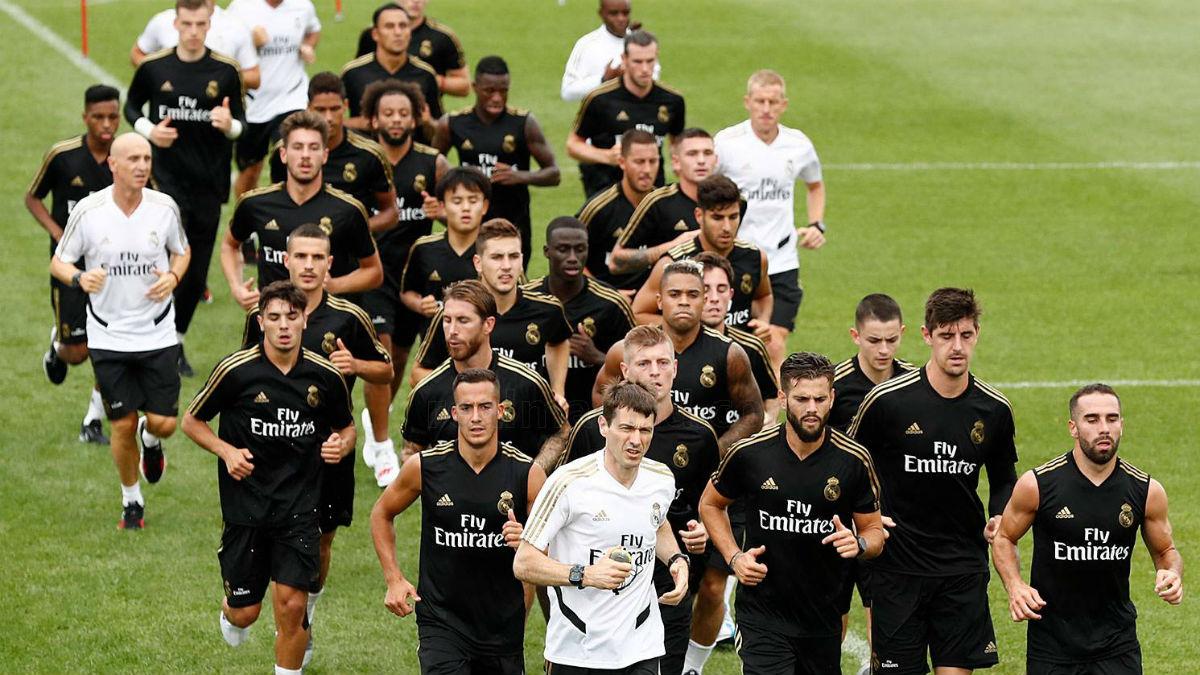 La plantilla del Real Madrid, durante un entrenamiento (Realmadrid.com).