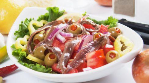 Ensalada de pimientos y anchoas