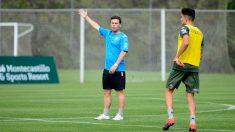 Francesc Rubi en un entrenamiento del Betis (@RealBetis)