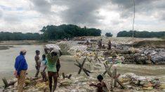 Tragedia en Nepal por los monzones @AFP