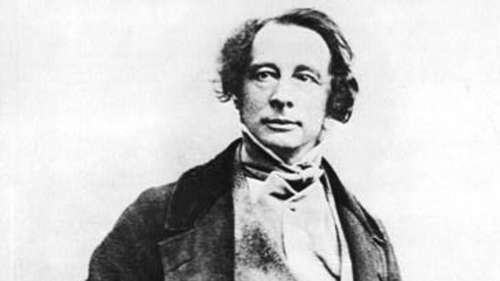 Lee las mejores frases de Charles Dickens