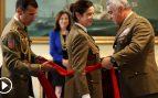 La primera mujer general de España recibe su fajín rojo en presencia de la ministra Robles