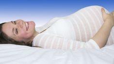 Uno de los problemas que pueden surgir en la boca, consecuencia del embarazo, es la caries.