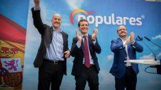 Alejandro Fernández, dirigente del PP en Cataluña, y Pablo Casado, líder del PP nacional, en Tarragona en campaña electoral @Getty