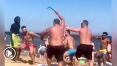 Pelea de turistas en la playa de la Barceloneta.