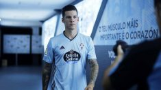 Santi Mina posa con la camiseta del Celta (@RCCelta)