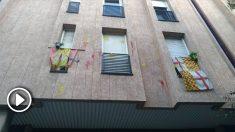 El domicilio de Patricia Muñoz (Vox) aparece con pintadas.
