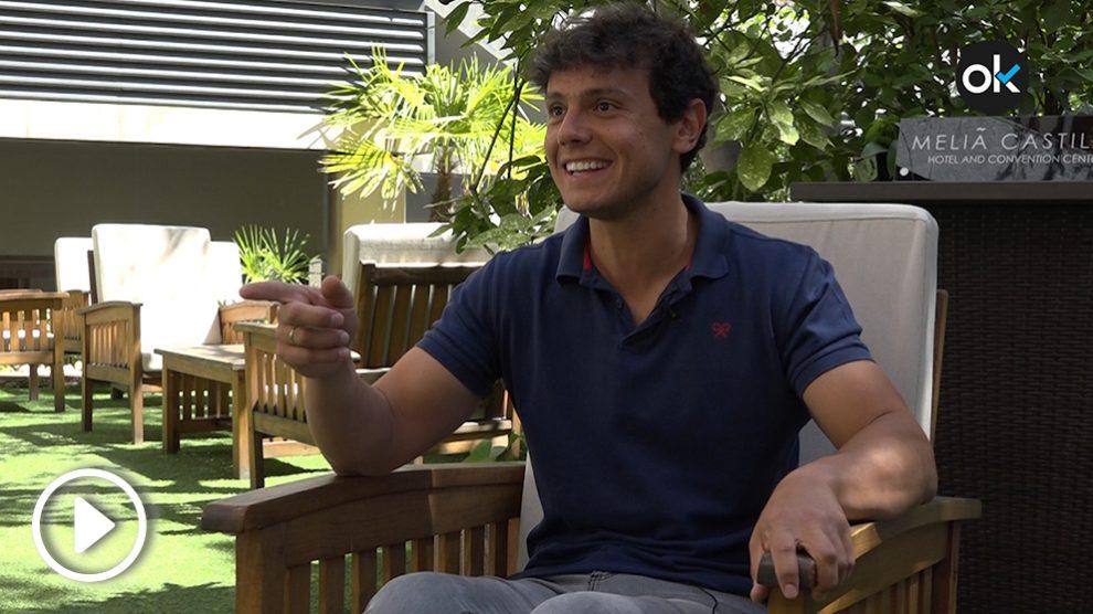 Cisco García atiende a OKDIARIO en una entrevista en el Hotel Meliá Castilla.