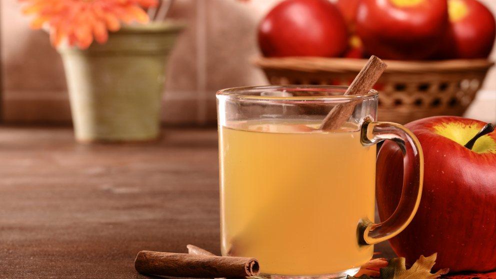 Combinados de bebidas veraniegas con zumo de manzana