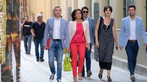 Concha Andreu y su equipo. Foto: Efe