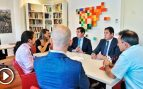 Iglesias hace ostentación de su despachazo: de plató de TV a recibir a la cúpula empresarial