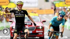 Simon Yates supera a Pello Bilbao en línea de meta. (AFP)