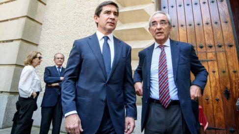 Carlos Torres, presidente de BBVA, junto al director de la territorial norte del banco