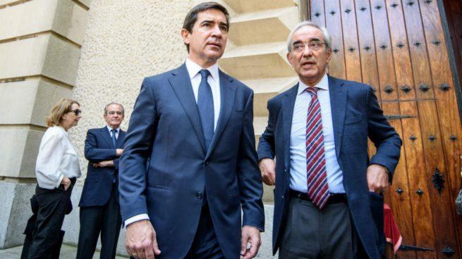 Miembros del PNV, el PP vasco y el presidente Torres, en el funeral de Emilio Ybarra en Guecho