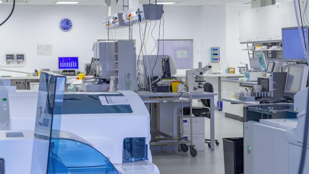 Laboratorio clínico (Foto: iStock)