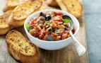 Receta de verduras al horno sobre pan de centeno